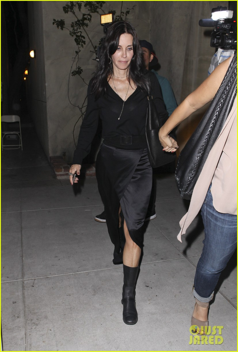 courteney cox out to dinner 08