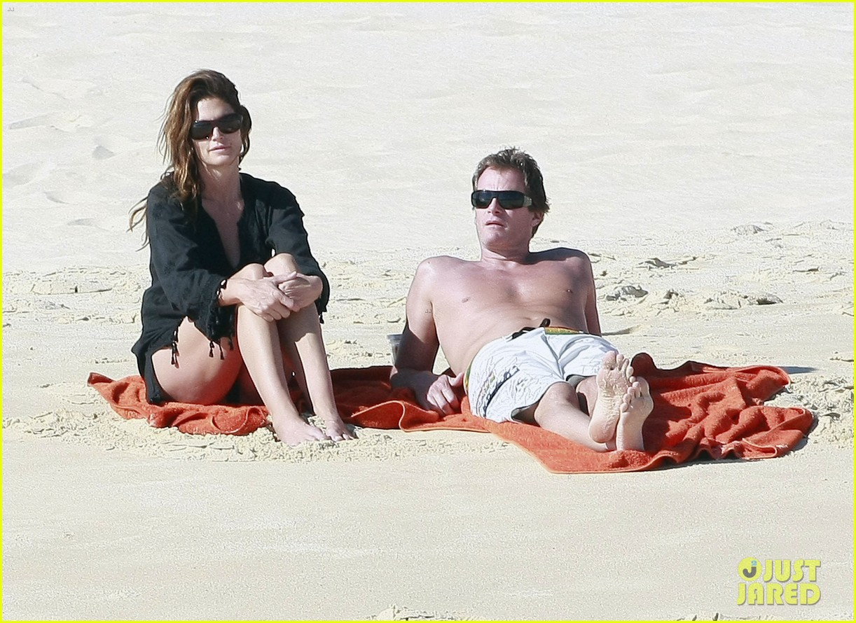 cindy crawford family time in mexico beach 13