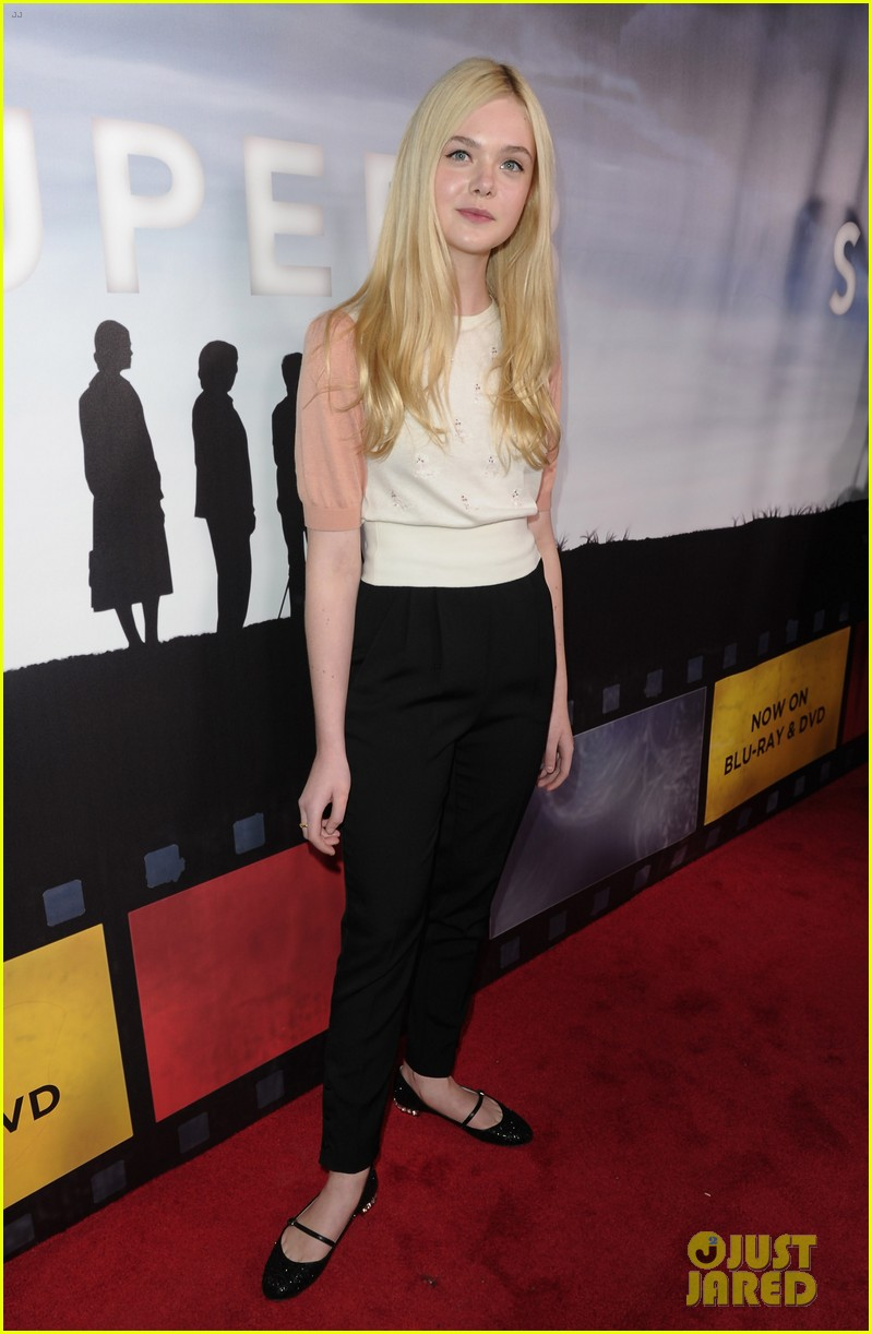 elle fanning super 8 dvd blu ray release party 052603288