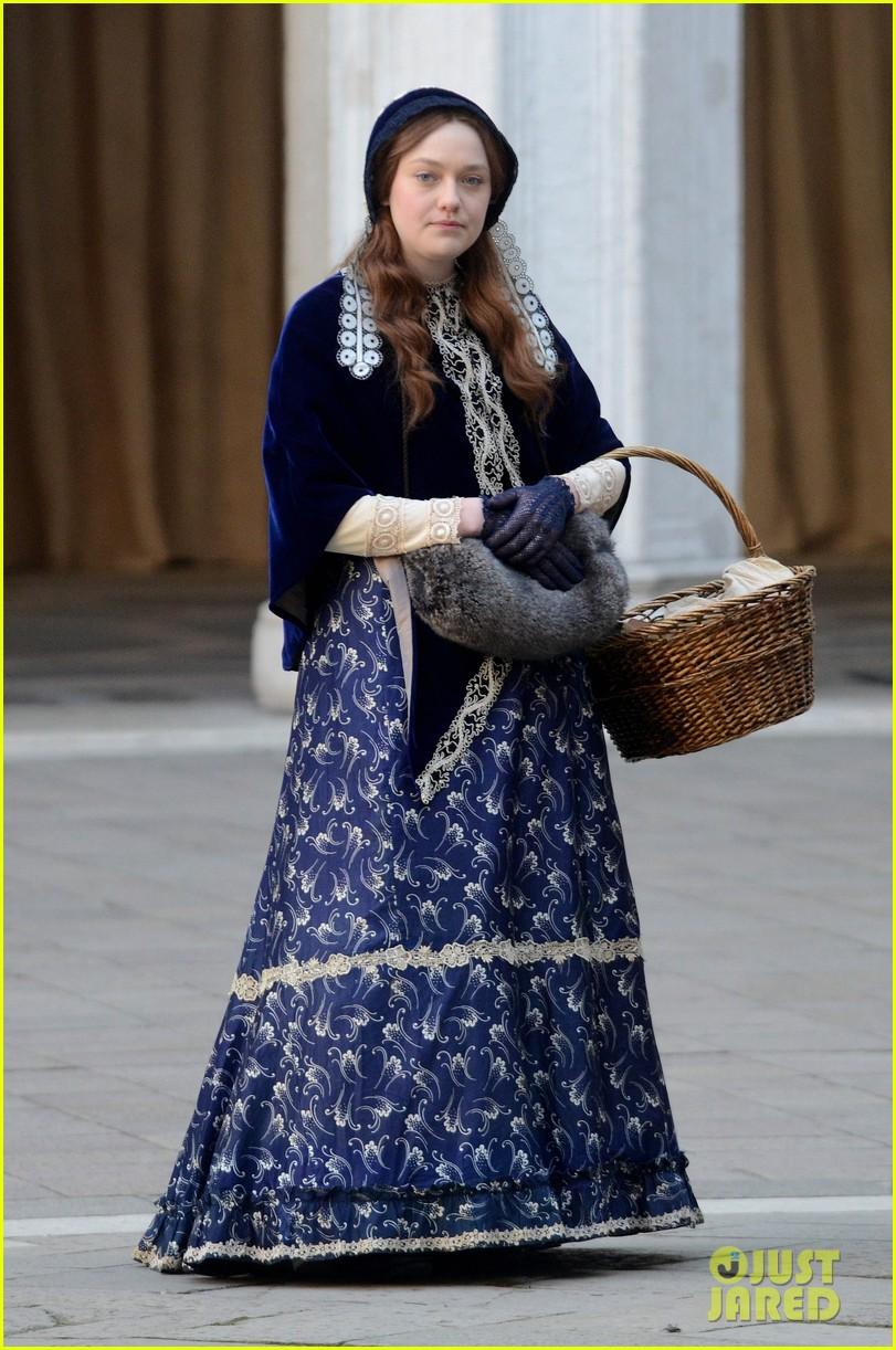 dakota fanning effie venice emma thompson 012605225