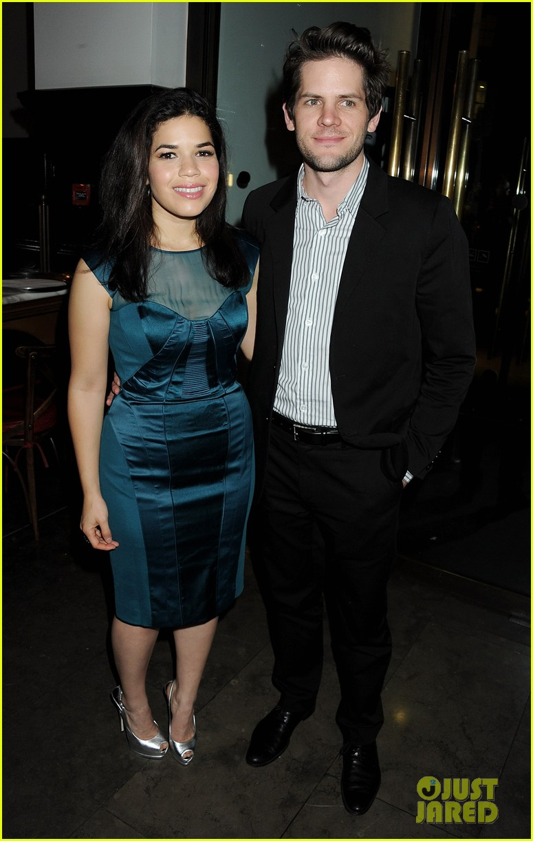 america ferrera chicago press night 03