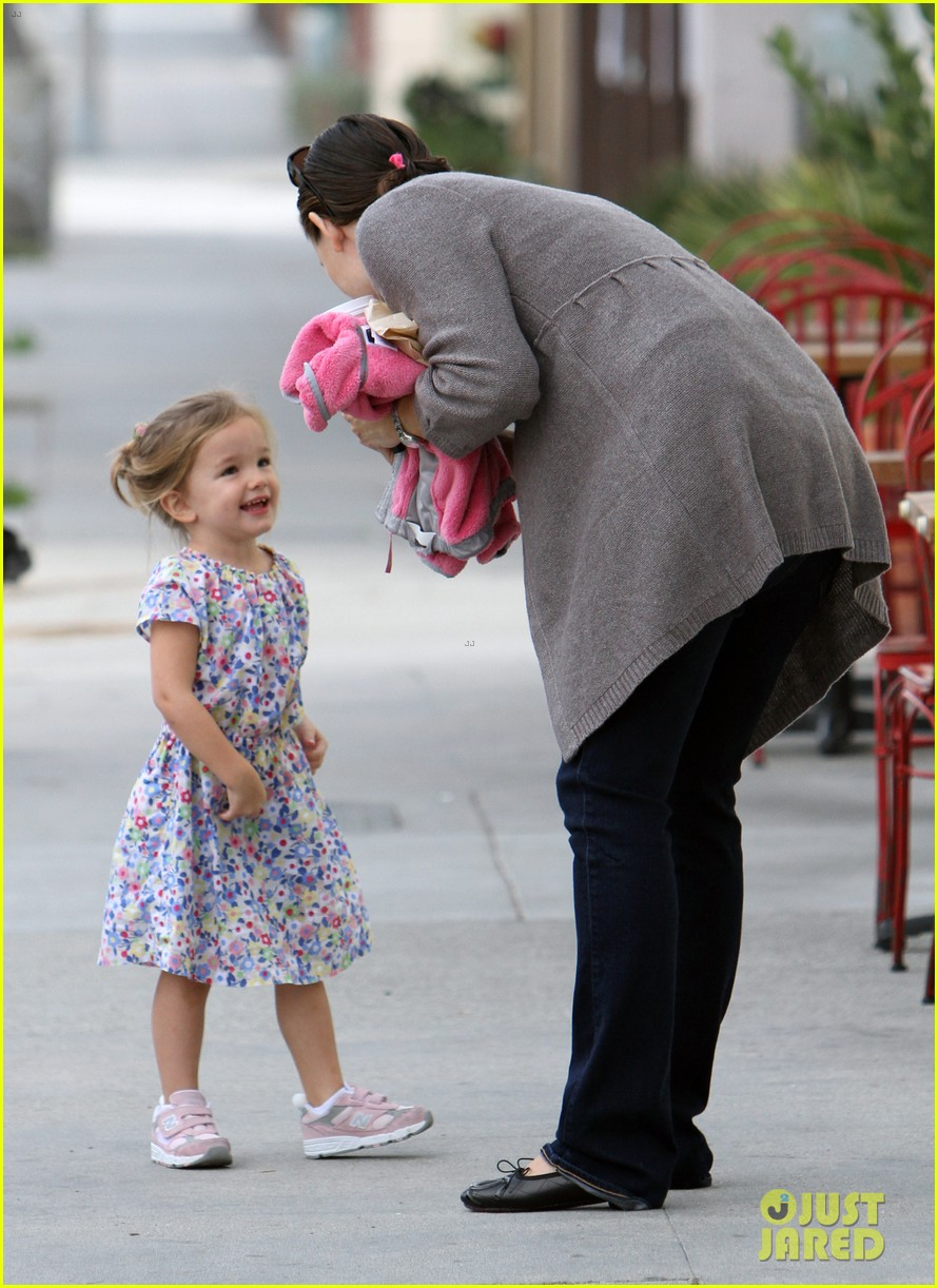 jennifer garner seraphina huckleberry duo 01