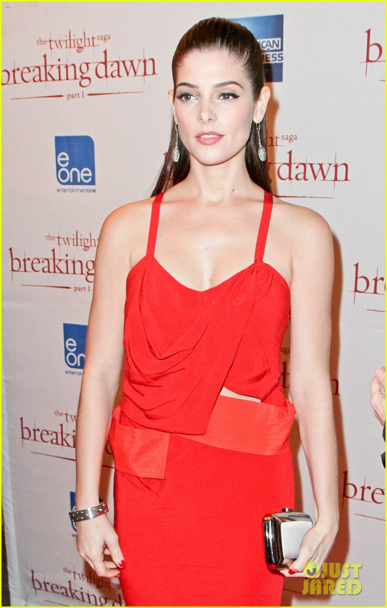 ashley greene breaking dawn canada premiere 05