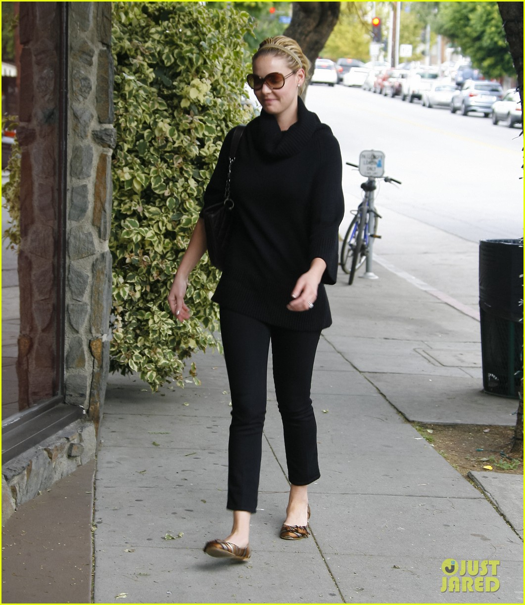 katherine heigl meat fish market trip 05