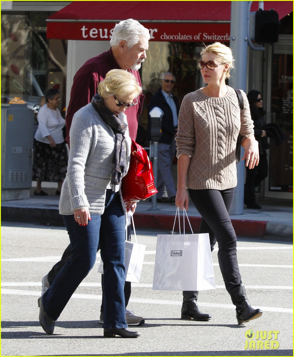 katherine heigl shopping mom dad 16