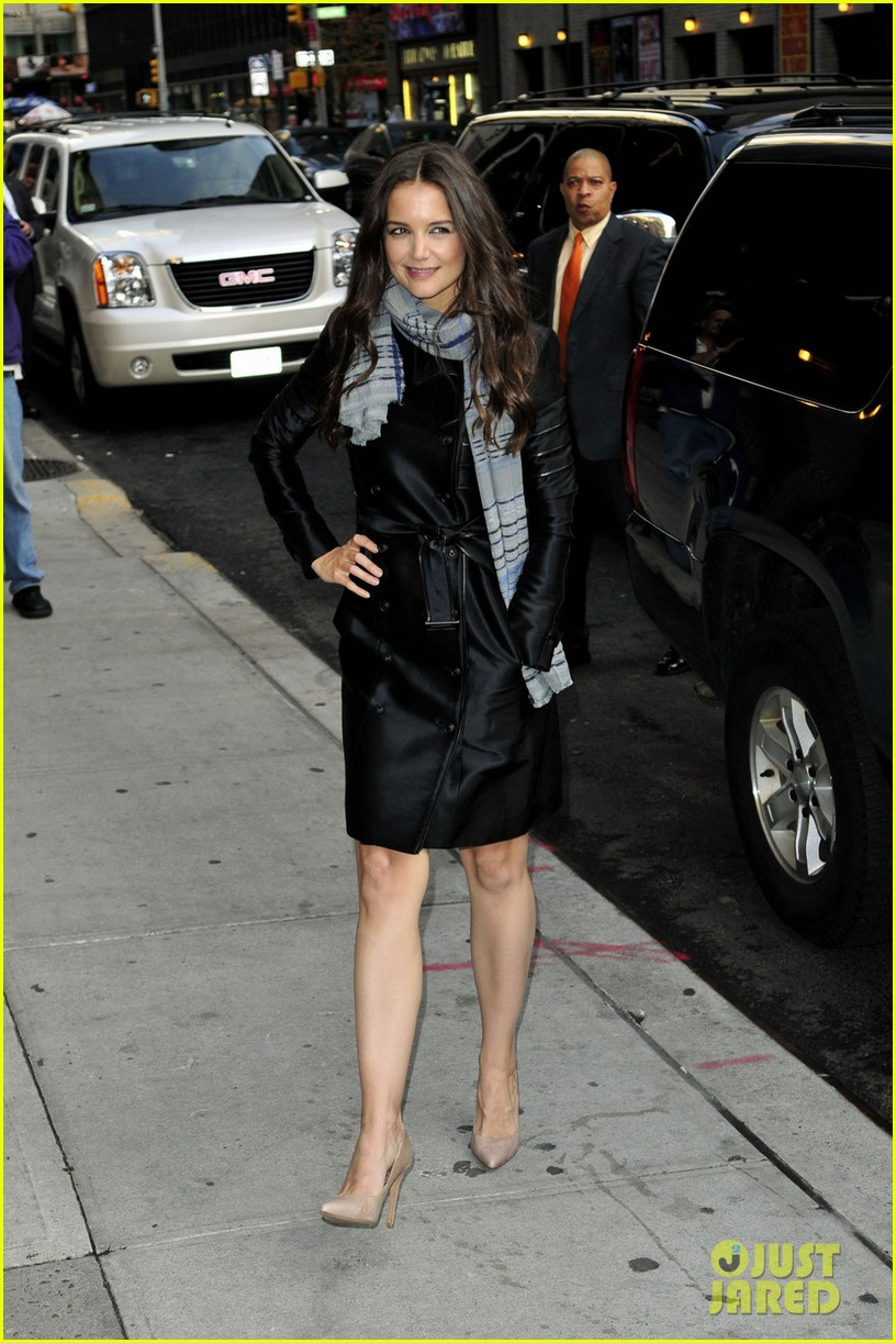 katie holmes late show with letterman visit 02