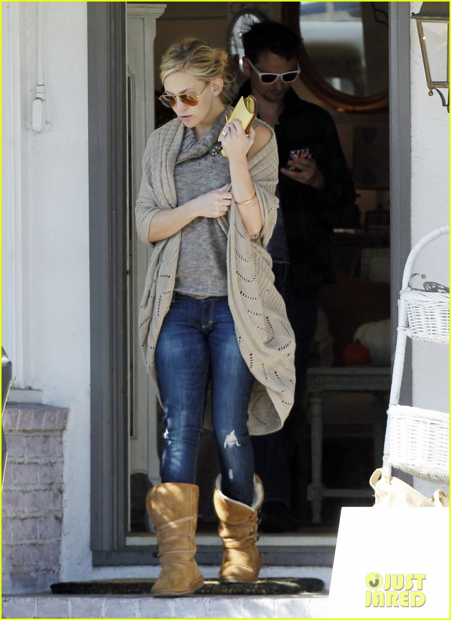 kate hudson matt bellamy furniture shopping 02