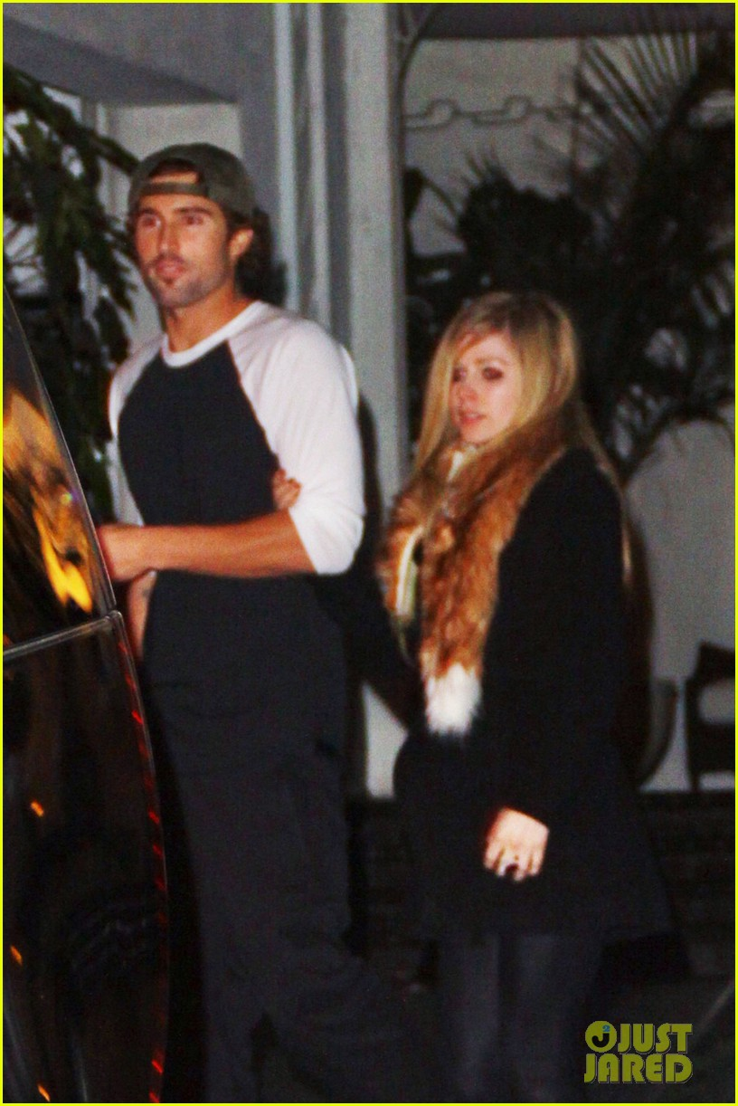 avril lavigne brody jenner bar fight