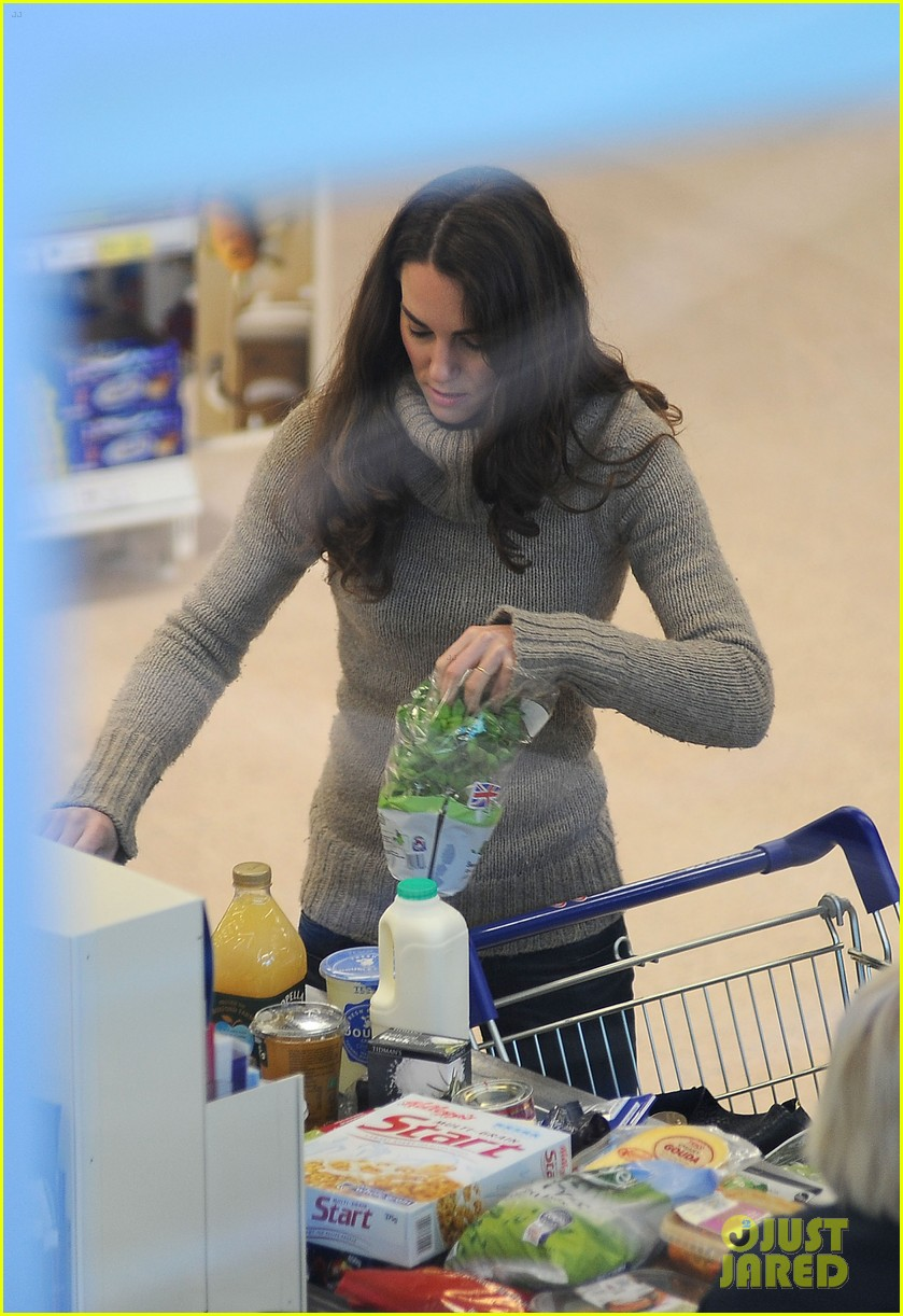 duchess kate groceries tesco 05