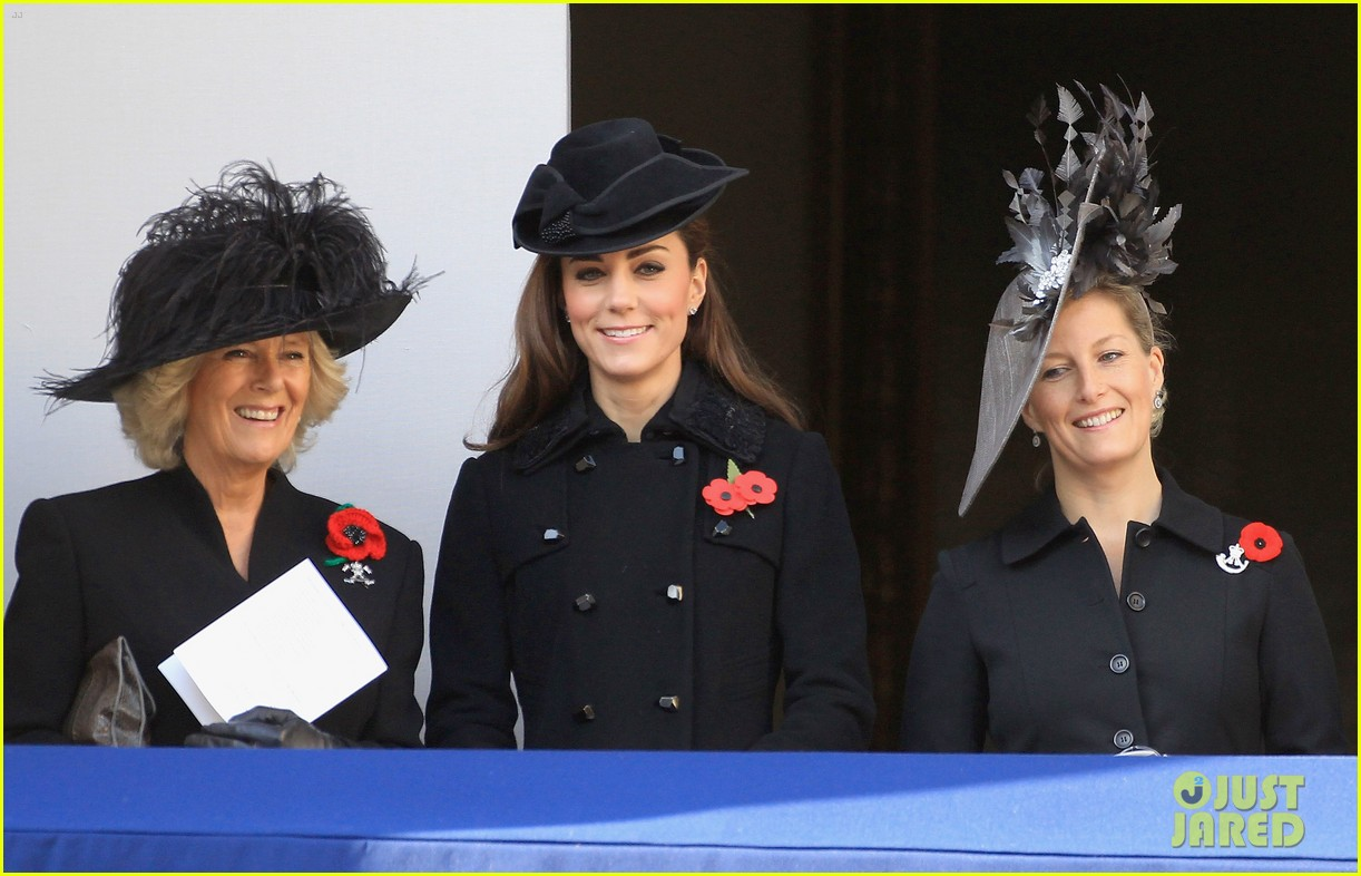 prince william duchess kate remembrance day 10