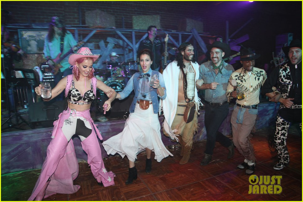 katy perry wild west ho down throwndown 072600868