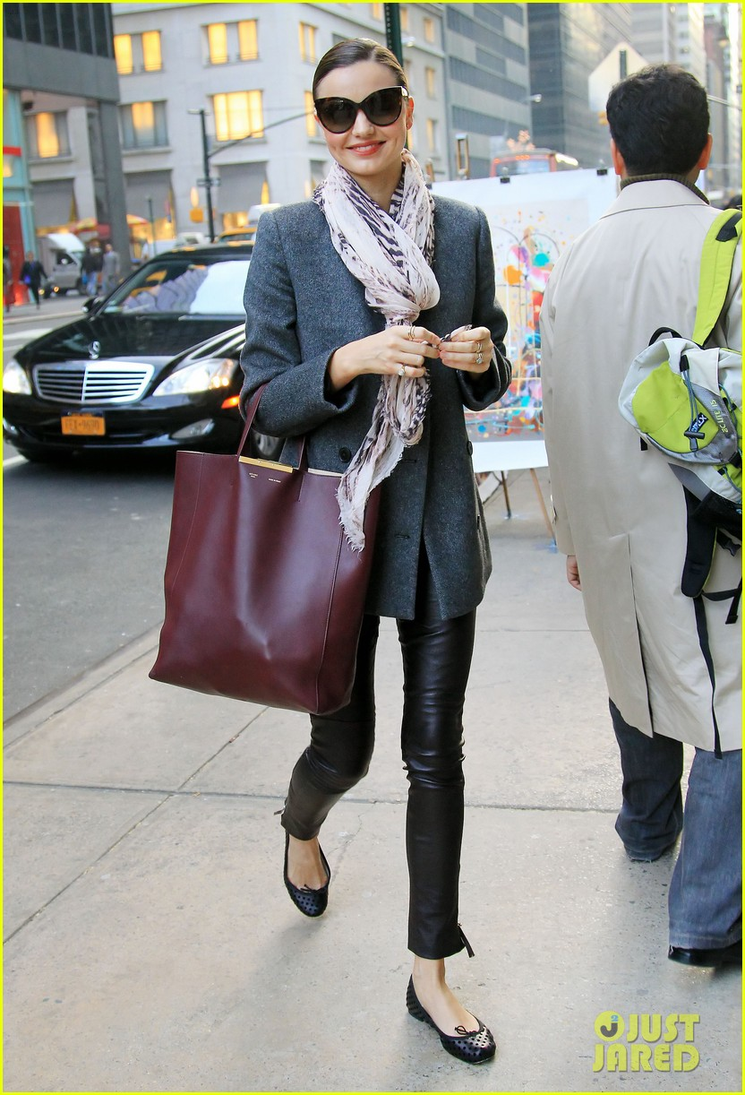 miranda kerr shopping friend nyc 012602197