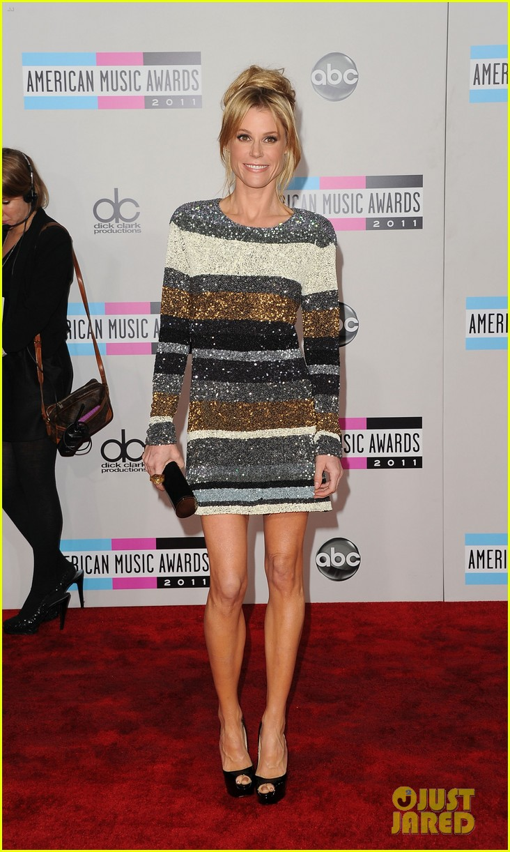 jenny mccarthy julie bowen cheryl hines amas 2011 15