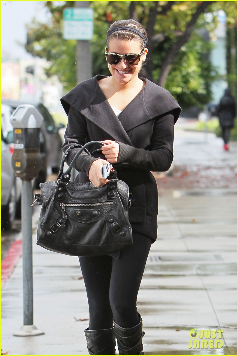 lea michele flashes smile 07