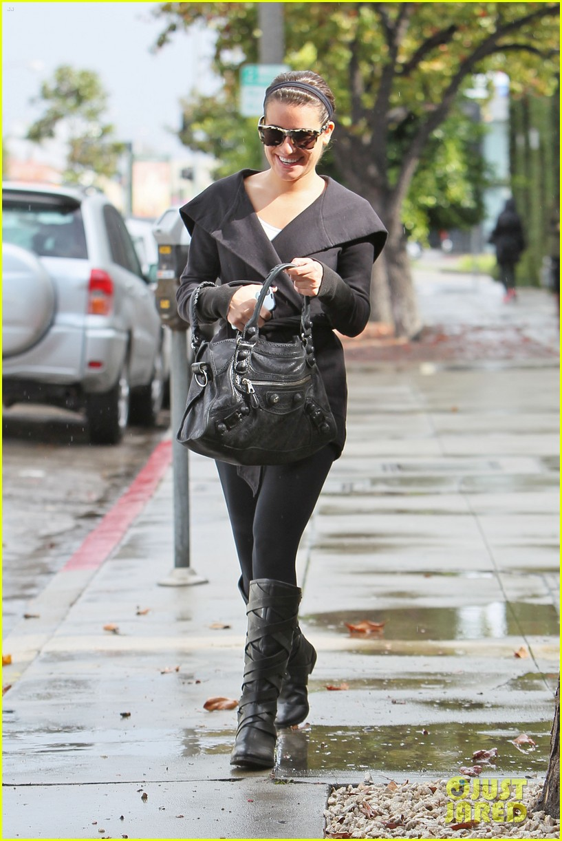 lea michele flashes smile 08