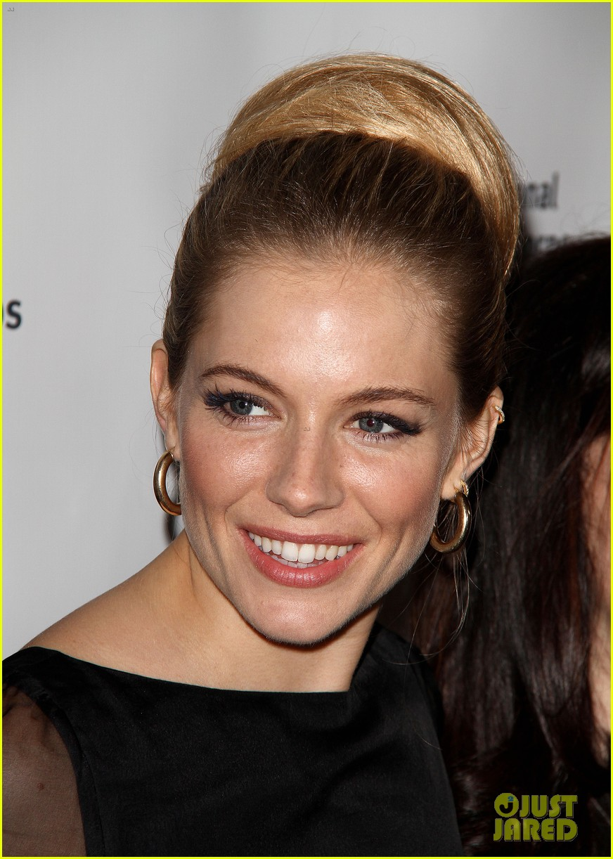 sienna miller medical corps awards celebration 02