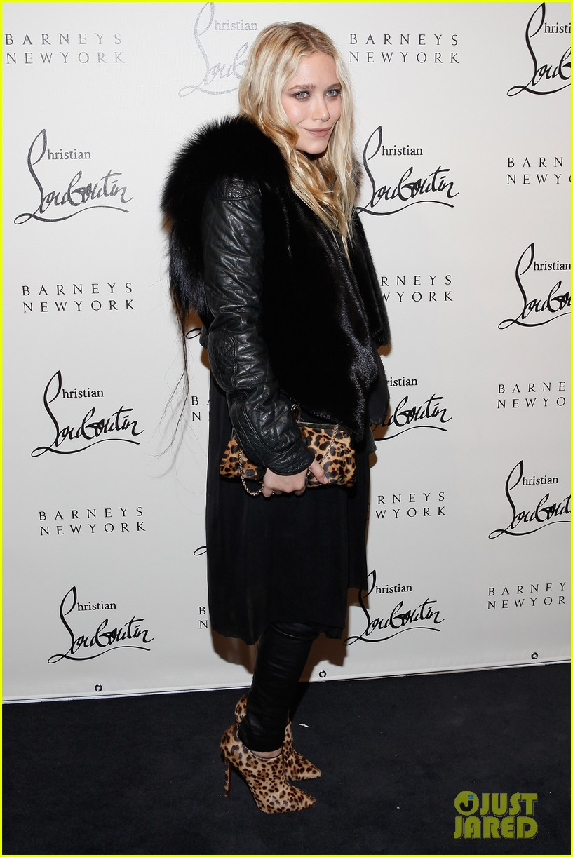 mary kate ashley olsen christian louboutin cocktail party 01