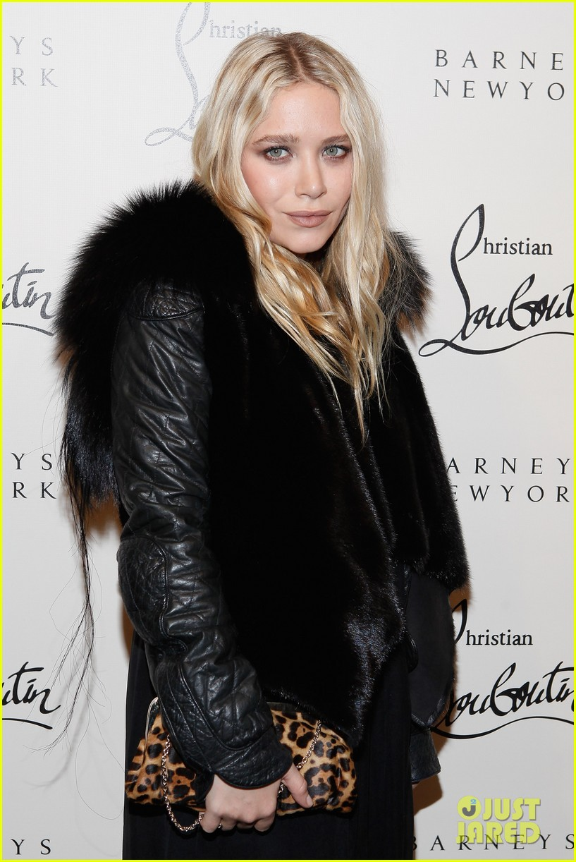 mary kate ashley olsen christian louboutin cocktail party 02