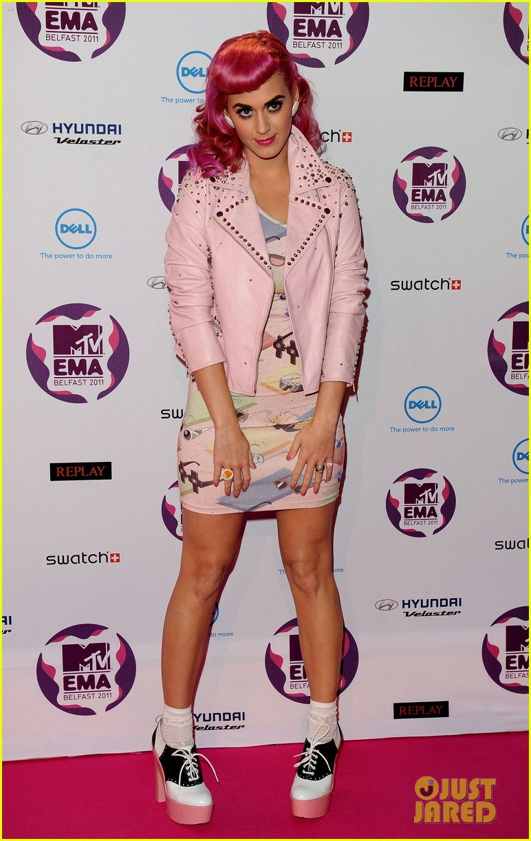 katy perry 2011 mtv emas 05