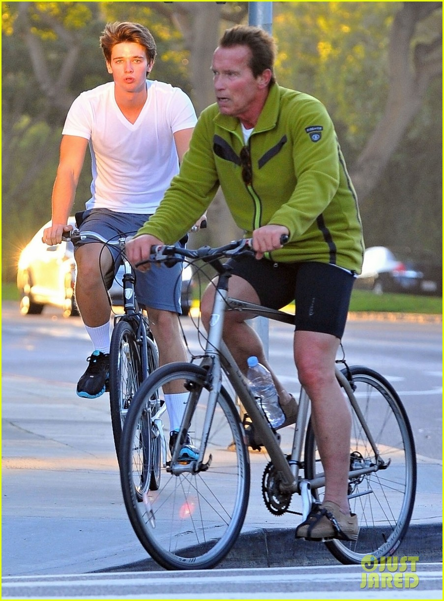 patrick arnold schwarzenegger sunday bike riders 032604531