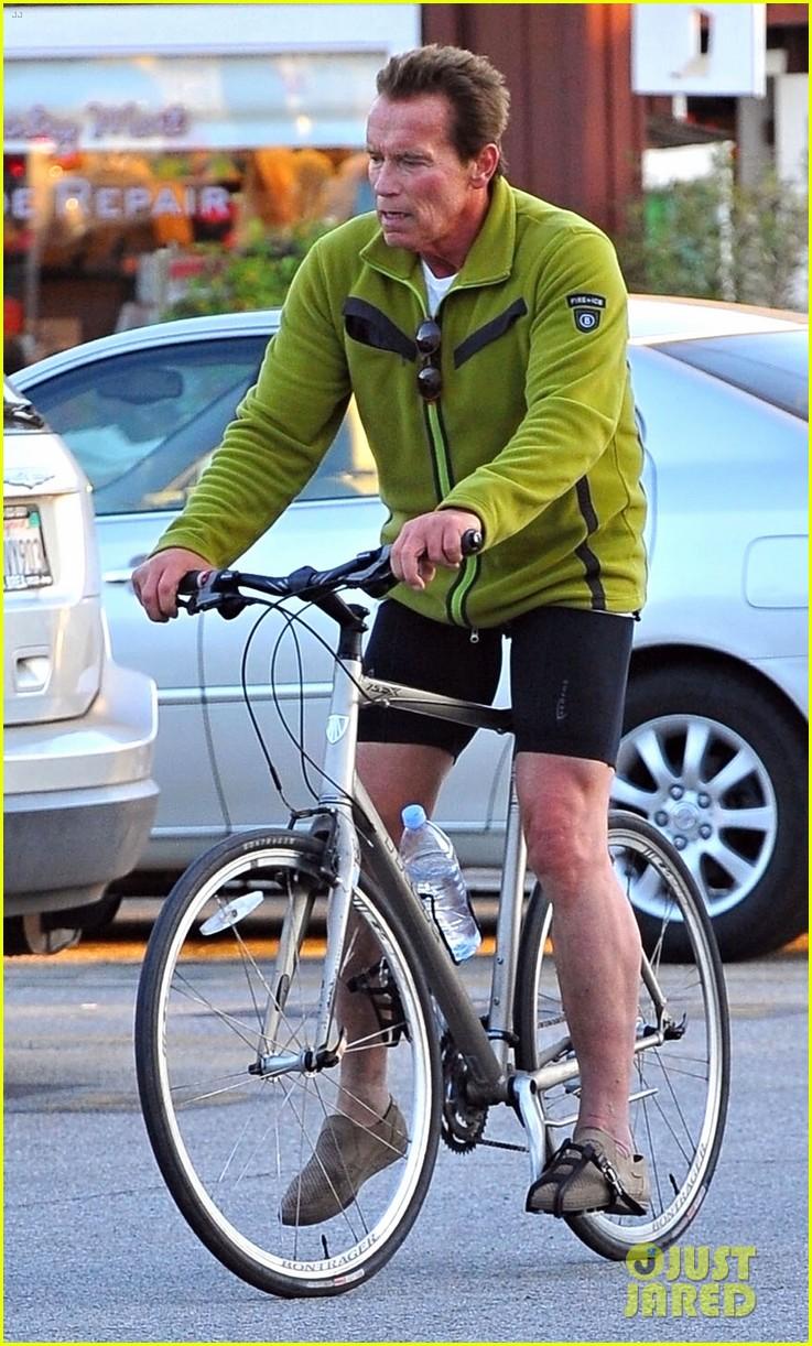 patrick arnold schwarzenegger sunday bike riders 05