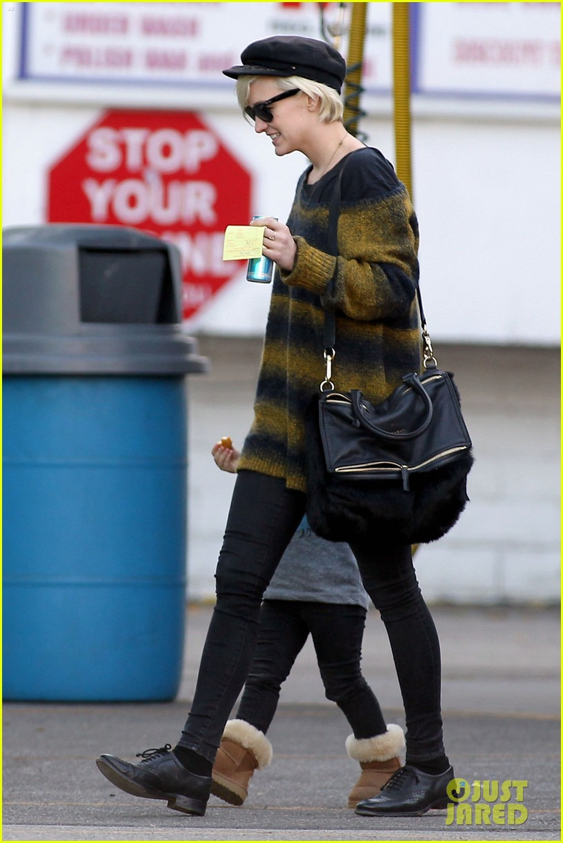 ashlee simpson bronx car wash 02