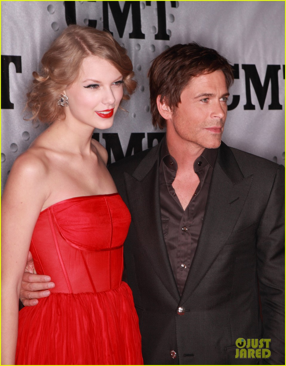 taylor swift cmt artists year 07