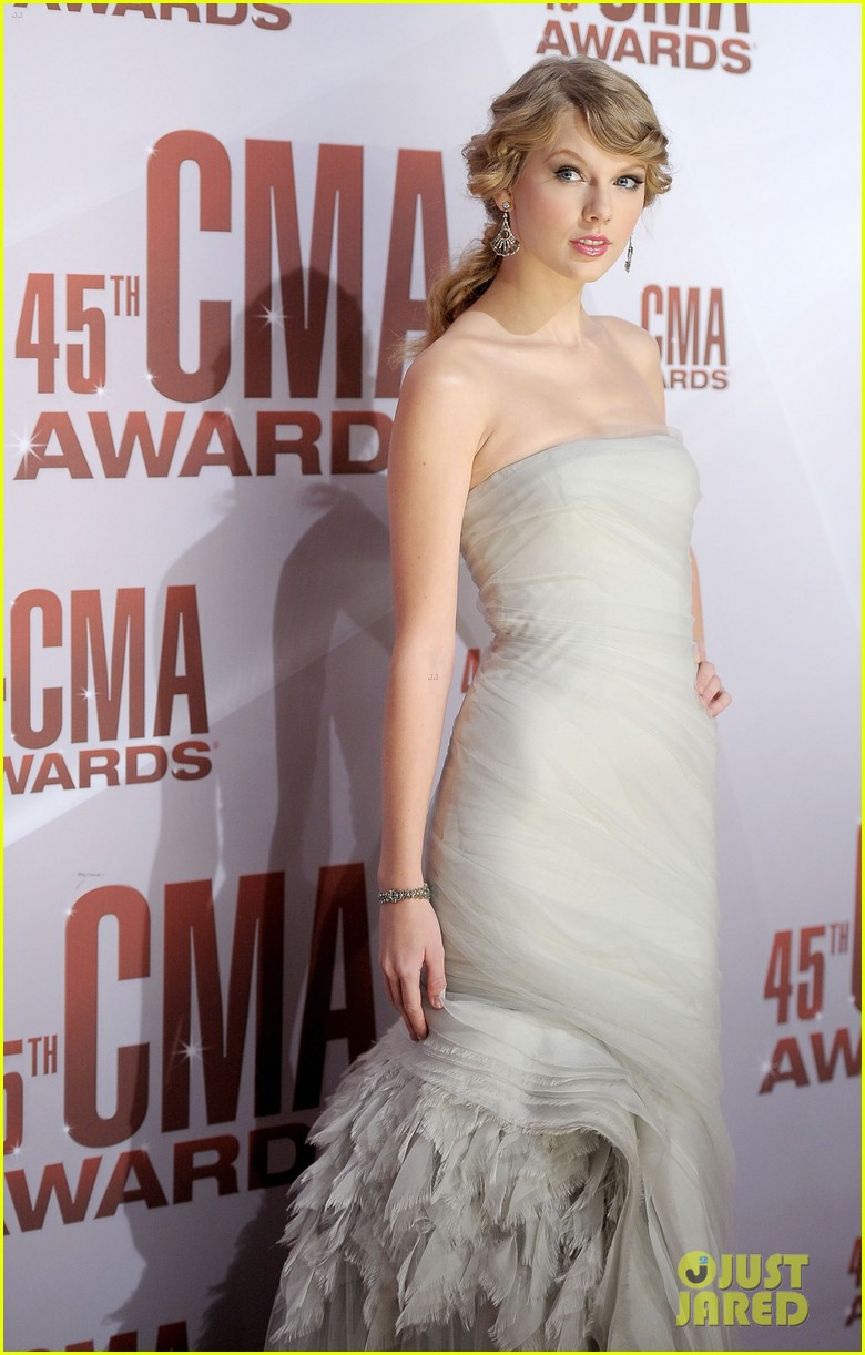 taylor swift cma awards 2011 032598620