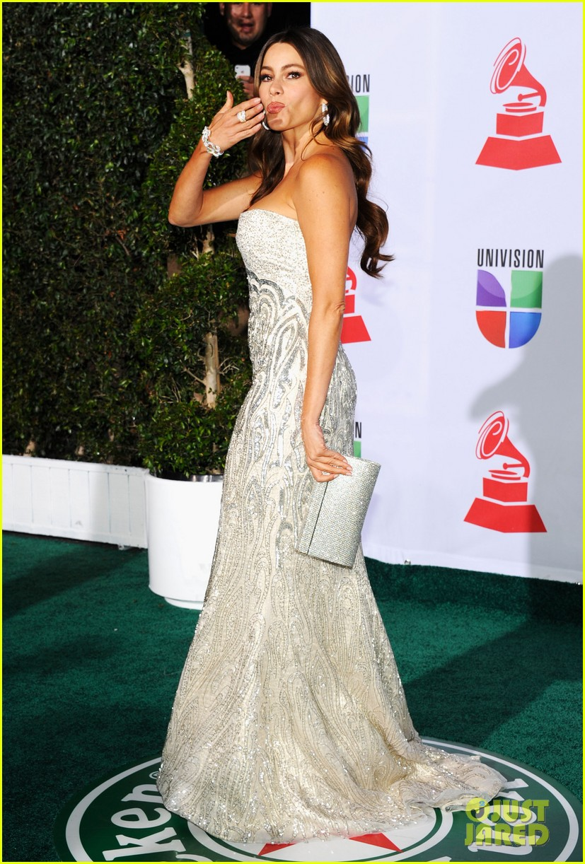 sofia vergara music awards 05