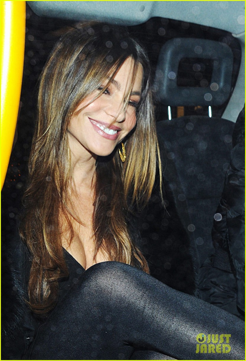 sofia vergara thanksgiving london 02