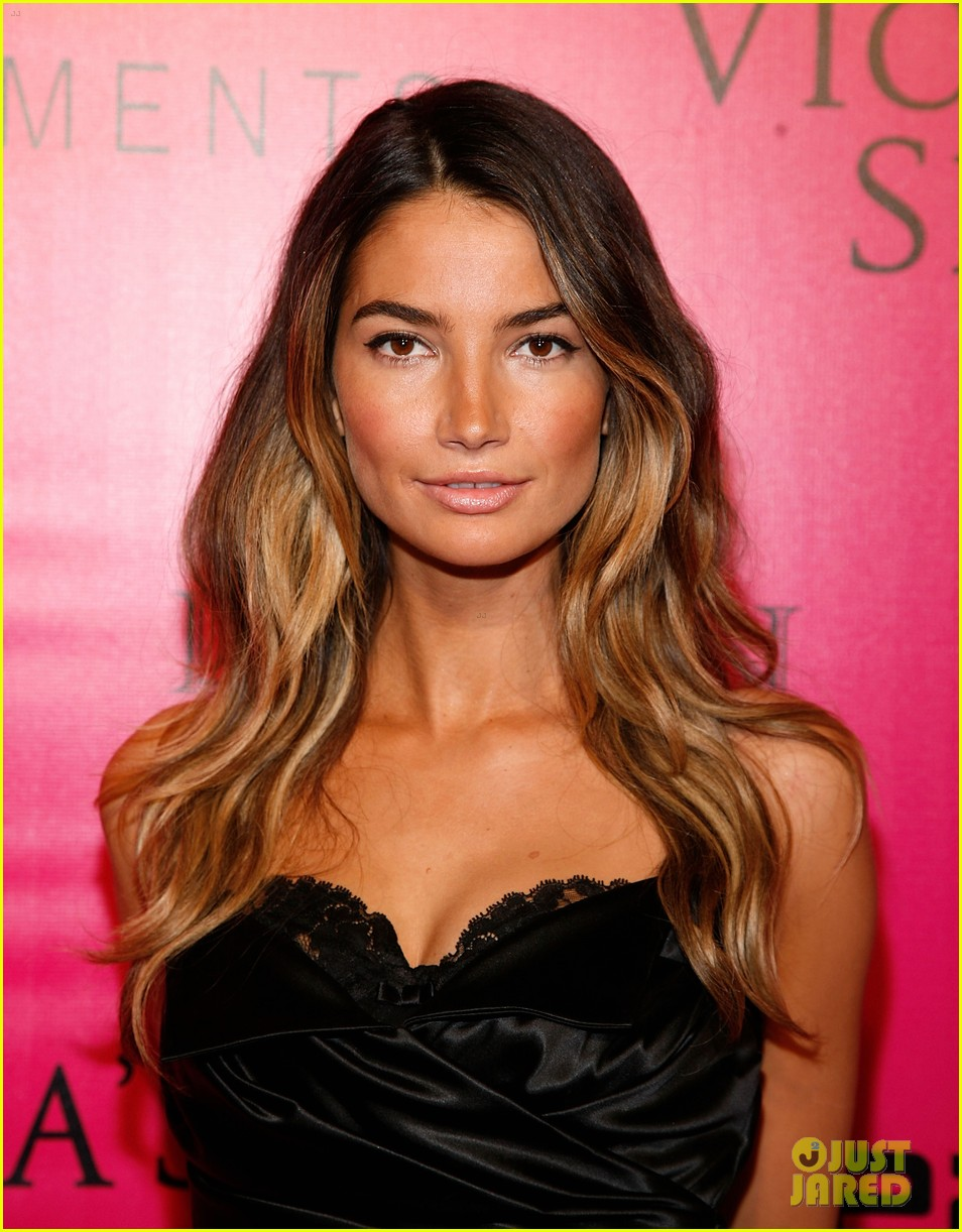 erin heatherton lily aldridge chanel iman victorias secret fashion show 162598752
