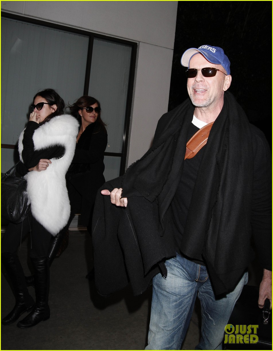 bruce willis emma heming lax arrival with tallulah rumer 02