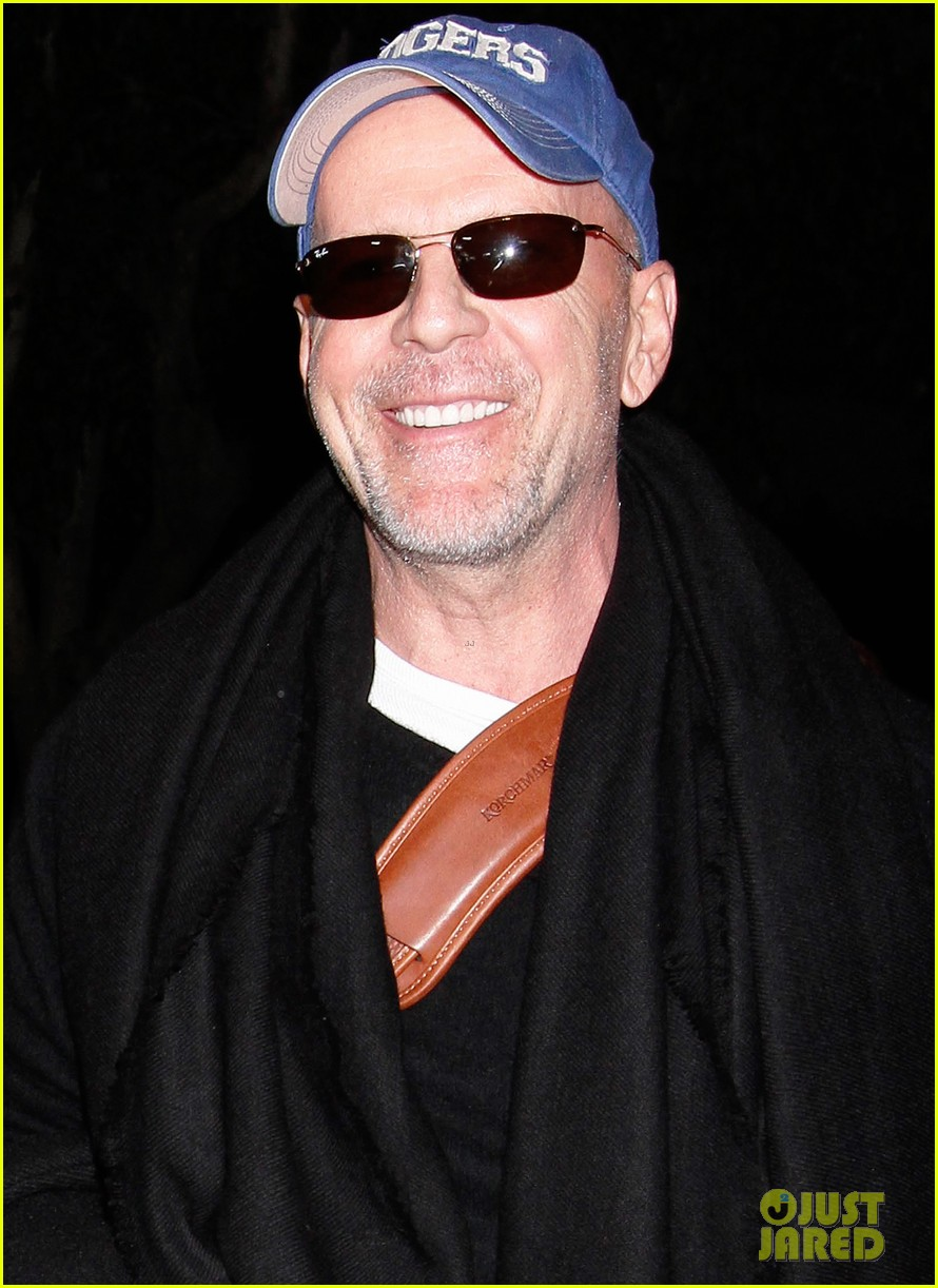 bruce willis emma heming lax arrival with tallulah rumer 03