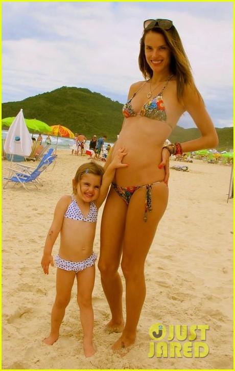 alessandra ambrosio bikini baby bump 012613162