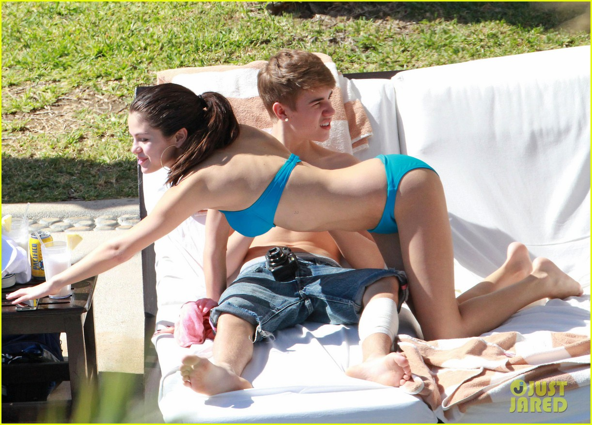selena gomez justin bieber pool party 07