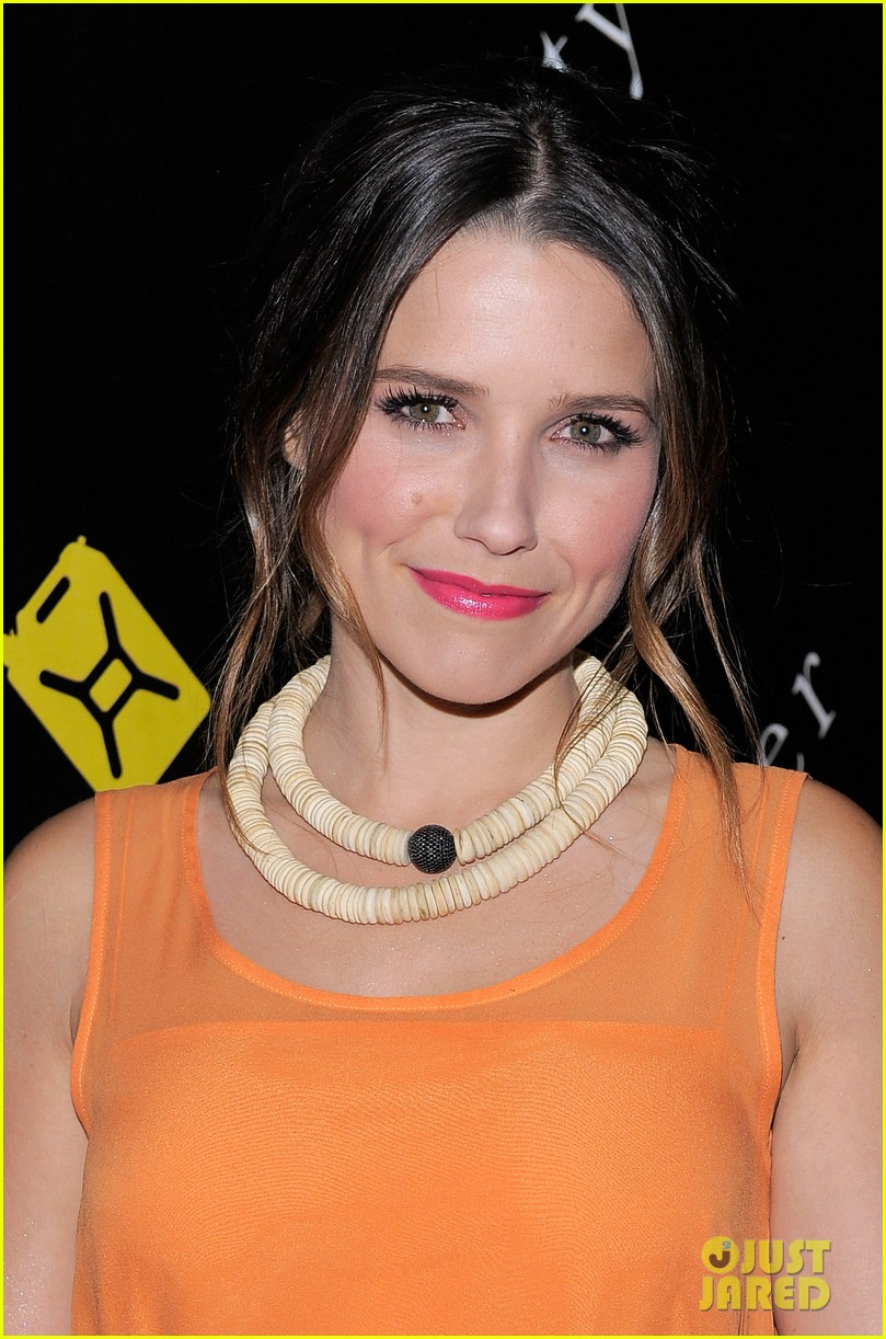 jessica biel sophia bush charity water 02