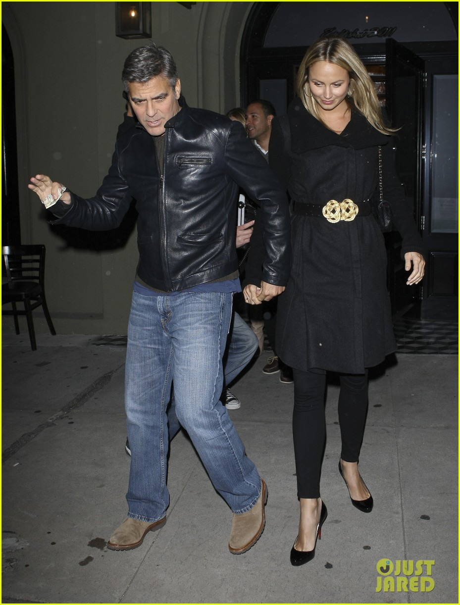 george clooney stacy keibler dinner at craigs 01