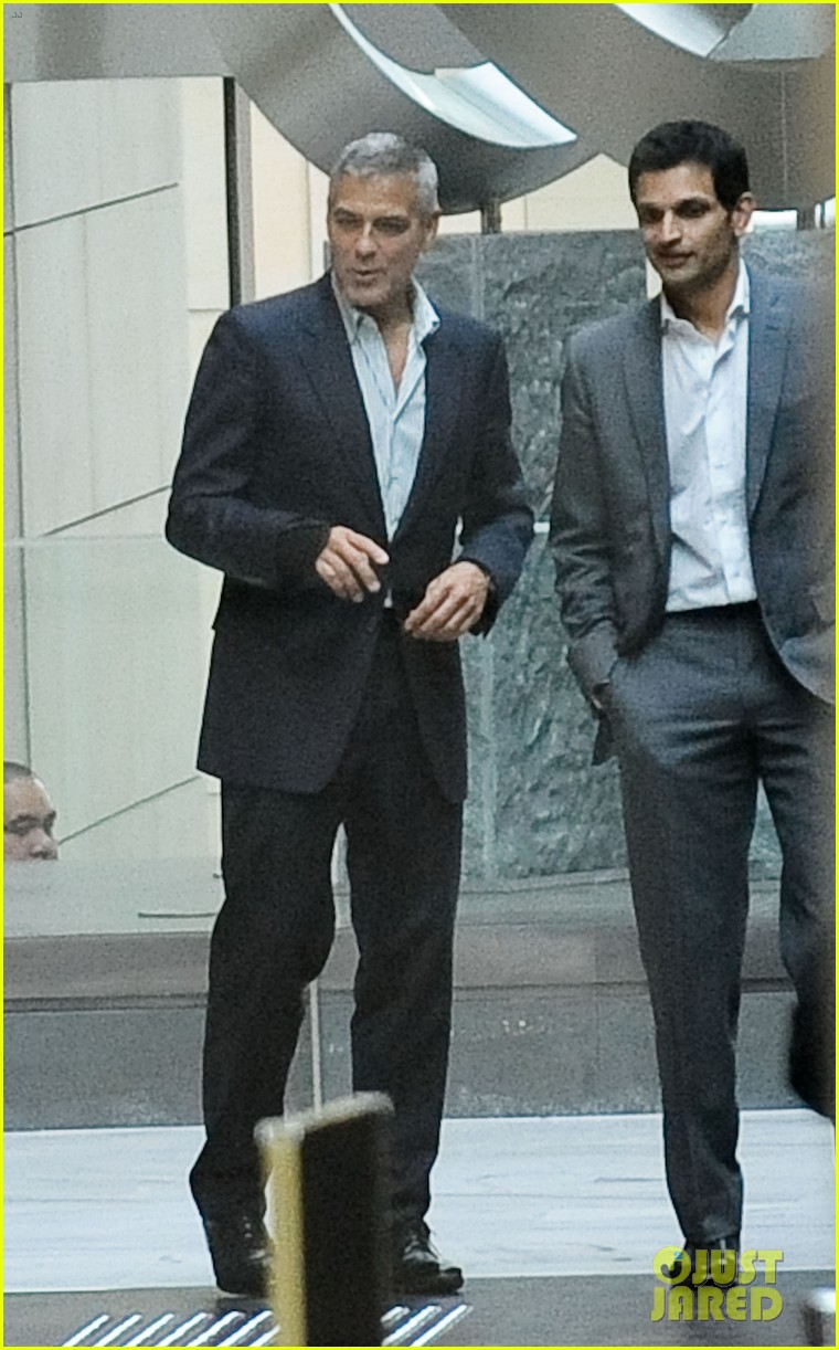 george clooney sydney departure 10