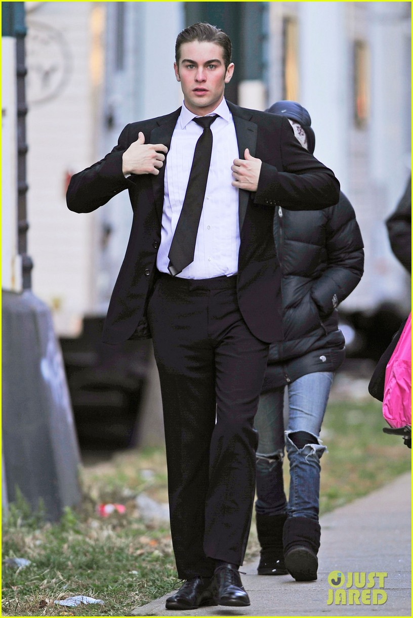 chace crawford suit gossip girl 01