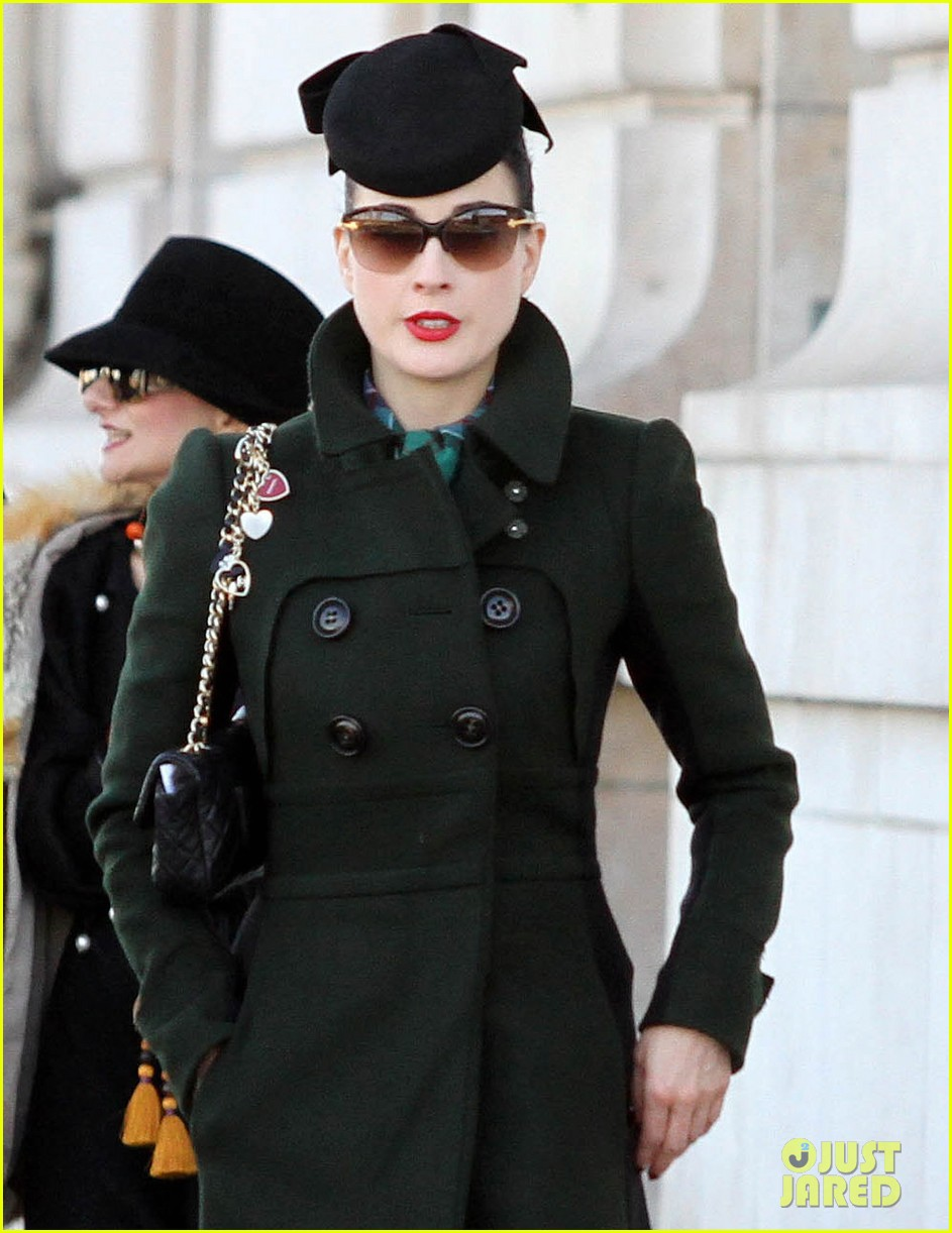 dita von teese coat paris 04