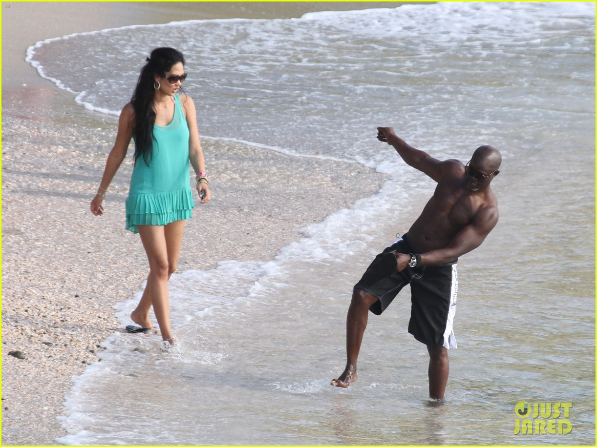 djimon hounsou shirtless 232612215