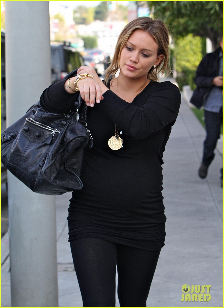 hilary duff christmas shopping on melrose 06