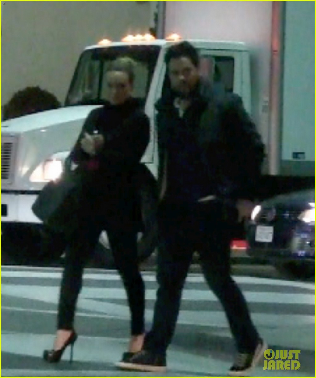 hilary duff dinner date mike comrie 10