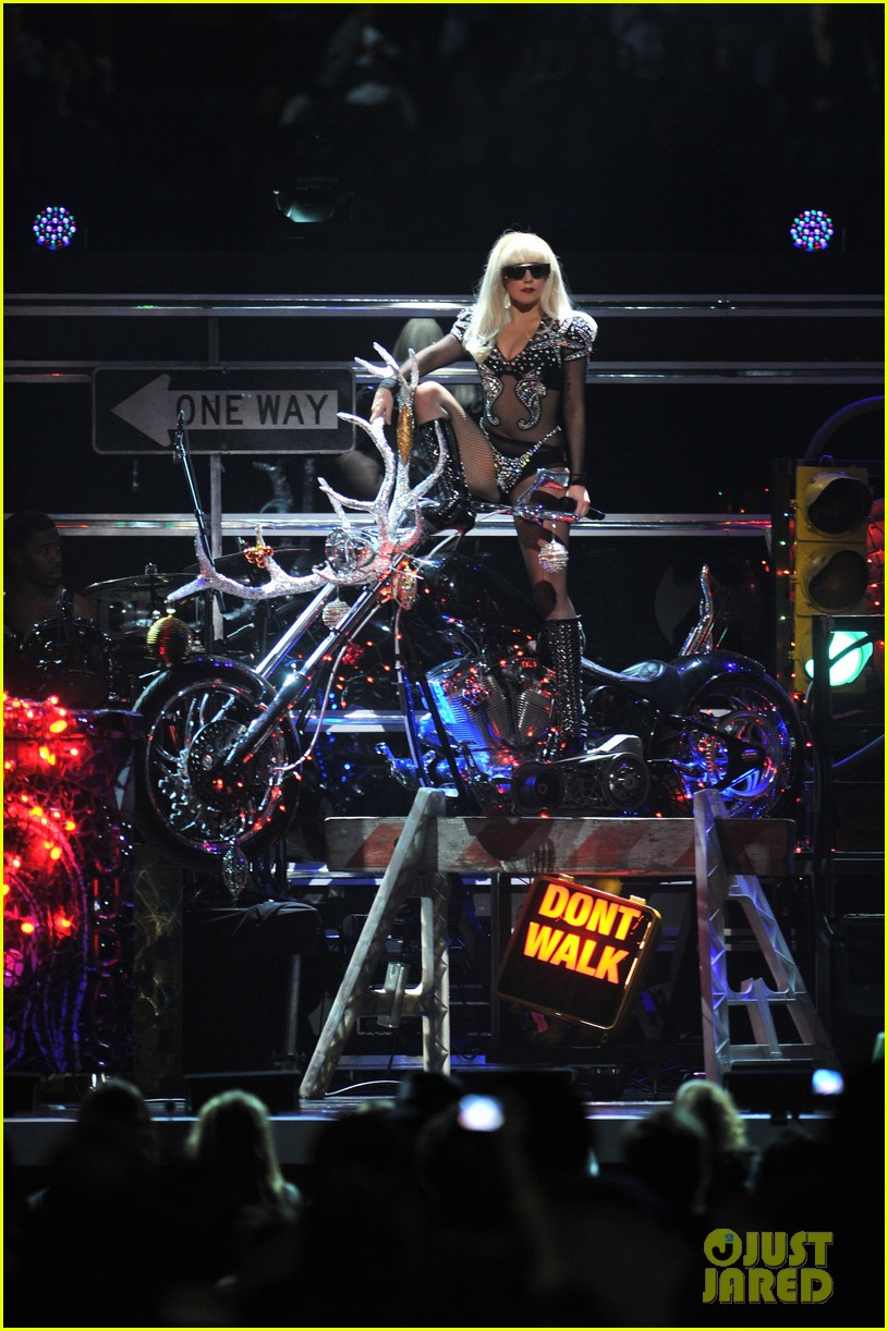 lady gaga jingle ball 05