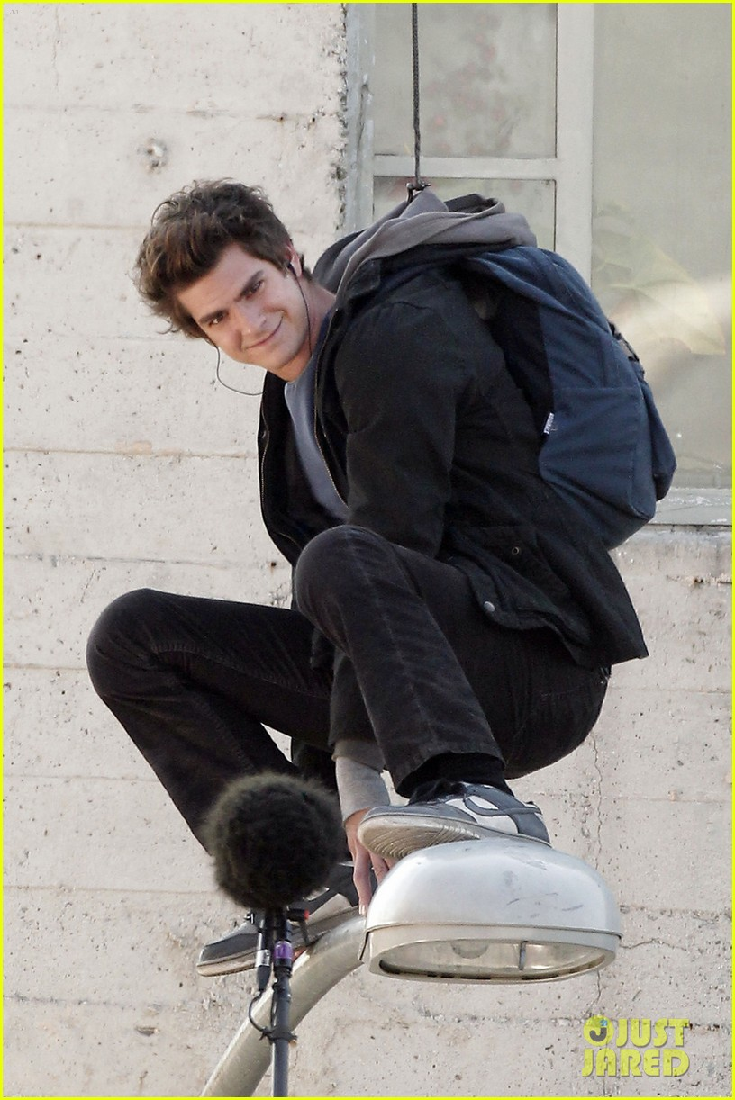 andrew garfield flying spider man 02