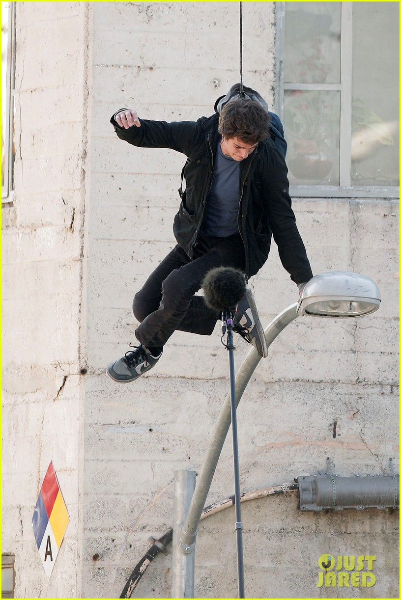 andrew garfield flying spider man 03