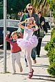 jennifer garner leaves ballet class with the girls 09