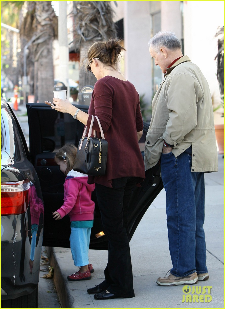 jennifer garner breakfast seraphina dad 05