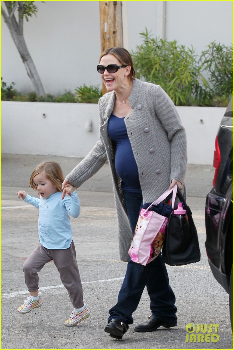 jennifer garner busy day 09