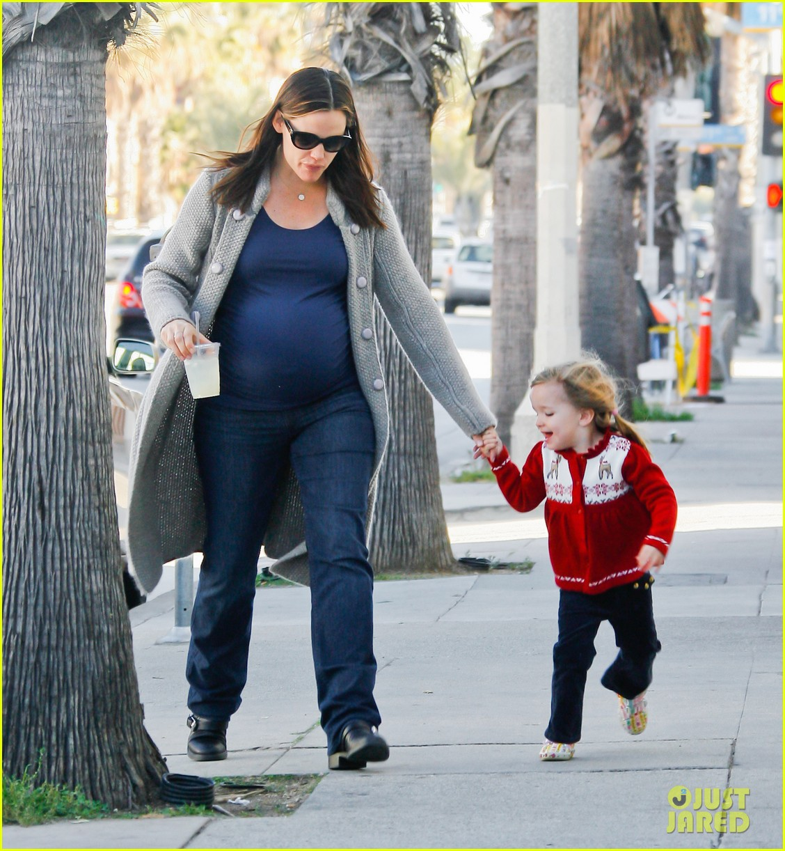 jennifer garner busy day 20